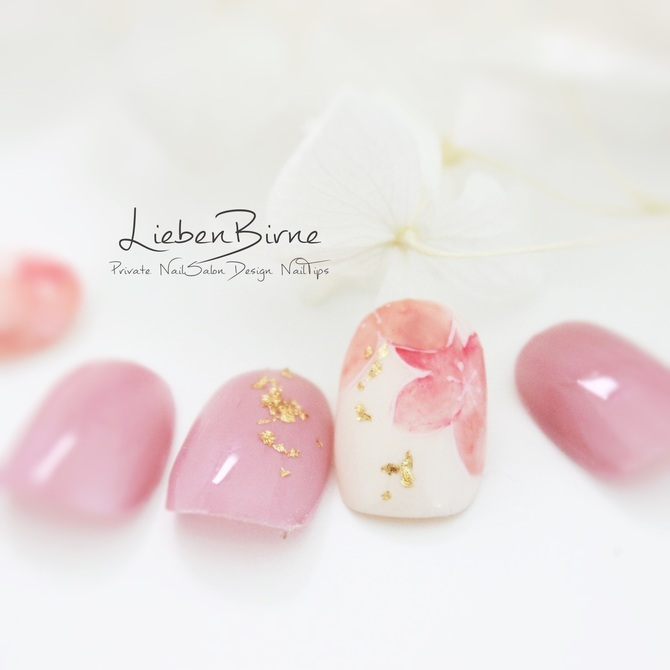 桃の花のネイル